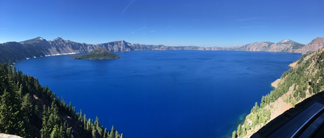Crater Lake and Wizard Island with Panorama